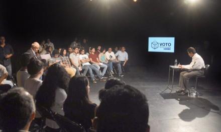 Acude Héctor Yunes a la Universidad Veracruzana