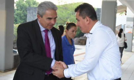 «Pipo» Vázquez sostiene encuentro con estudiantes de la Universidad Anáhuac