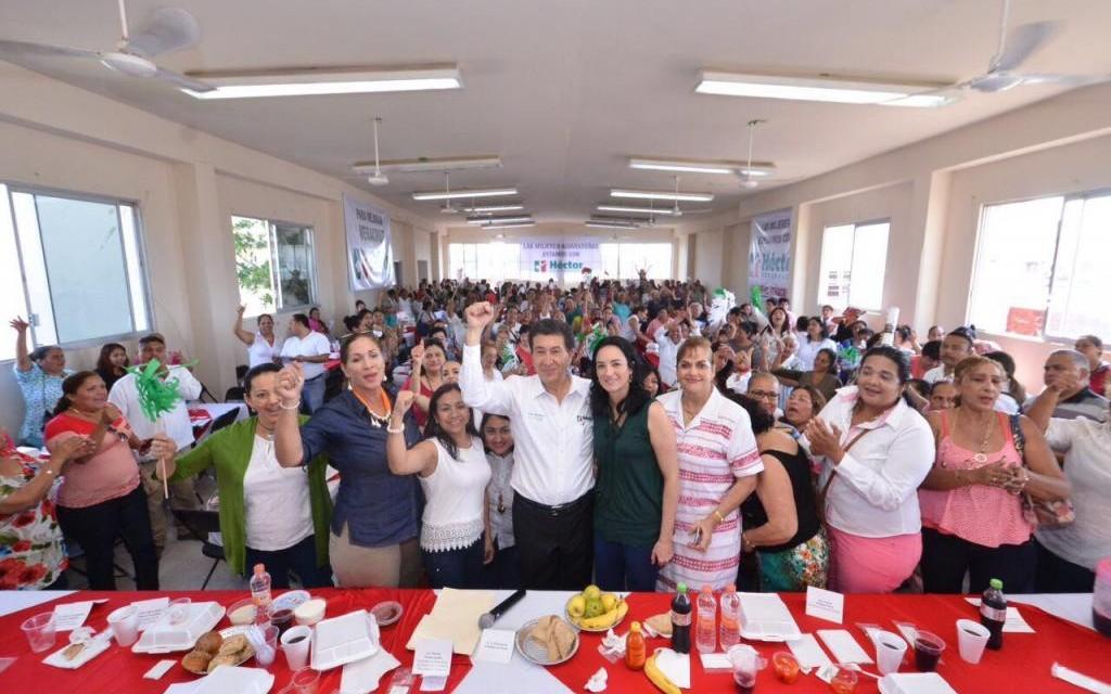 LA MUJER SERÁ EL CENTRO DE LA NUEVA VIDA VERACRUZANA: HÉCTOR YUNES LANDA