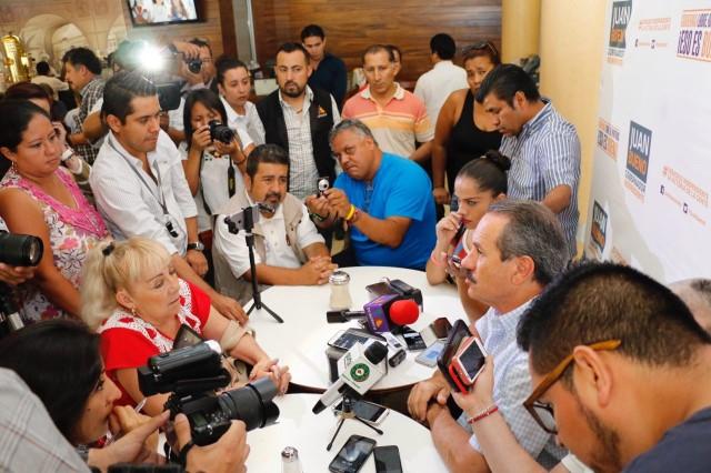 Exige Juan Bueno Torio a Fiscalía y PGR investiguen millonario desvío de recursos