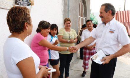 Combatiremos el hambre y desnutrición de los niños desde las aulas: Juan Bueno Torio