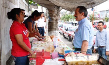 De carreteras inseguras y con baches 'estamos hasta la madre': Juan Bueno Torio