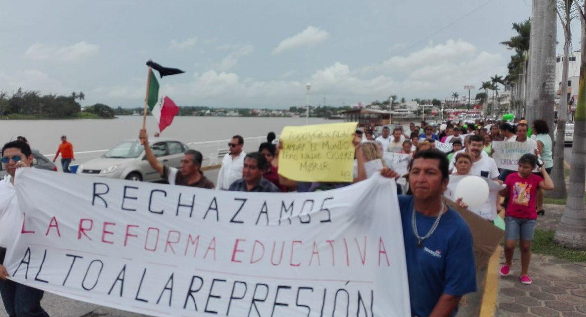 Tuxpeños marcha «Por la Justicia y la Paz»