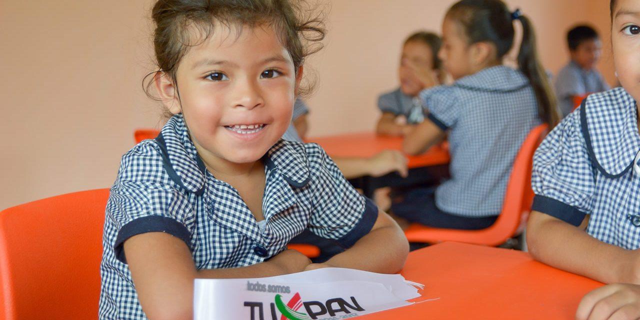 Continúan los apoyos al sector educativo