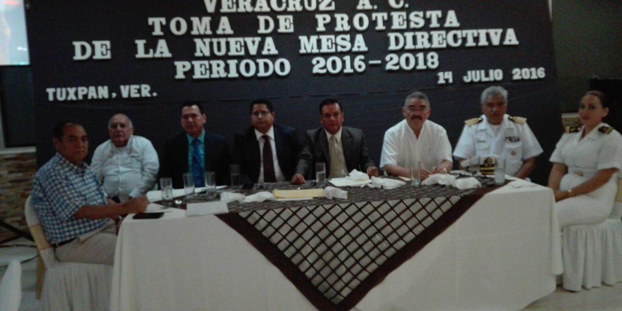 Conforman nueva mesa directiva de la Barra de abogados de Tuxpan