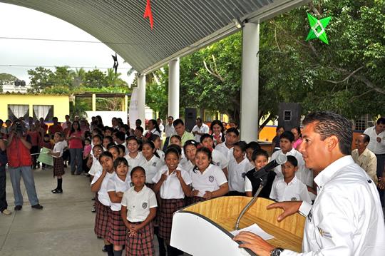 Inaugura ASR un domo más para estudiantes tuxpeños