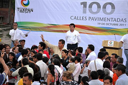 ¡Llega Tuxpan a las 100 calles pavimentadas!