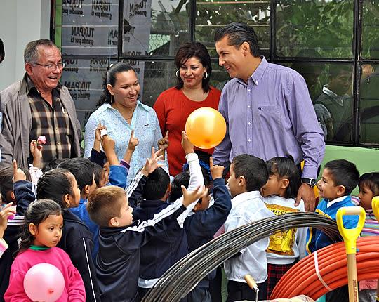 Inicia la rehabilitación de 26 escuelas de la comunidad de Alto Lucero en Tuxpan