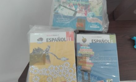 Reparte SEV libros de texto gratuito a escuelas de la zona norte