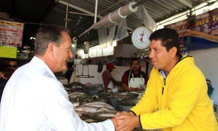 """Locatarios del """"Héroes del 47""""  reciben apoyo del Ayuntamiento de Tuxpan"""