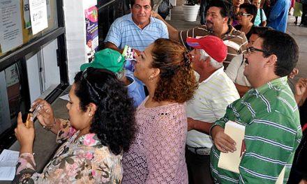 Paga Ayuntamiento aguinaldo a los empleados municipales