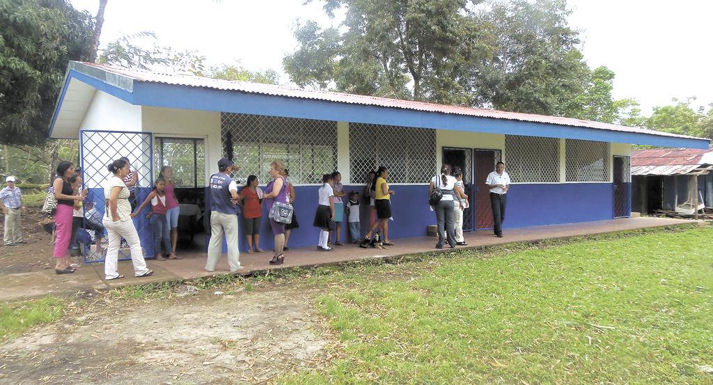 25 Escuelas de la región cuentan con certeza jurídica