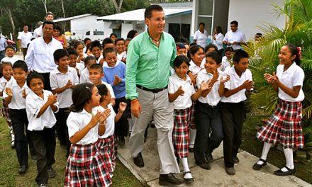 Entrega ASR nueva infraestructura en escuela del medio rural de Tuxpan