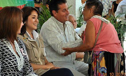 DIF estatal y municipal entregan 418 pensiones a adultos mayores de Tuxpan