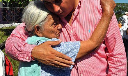 Atiende Gobierno Municipal de Tuxpan necesidades de la Comunidad de Laja de Colomán
