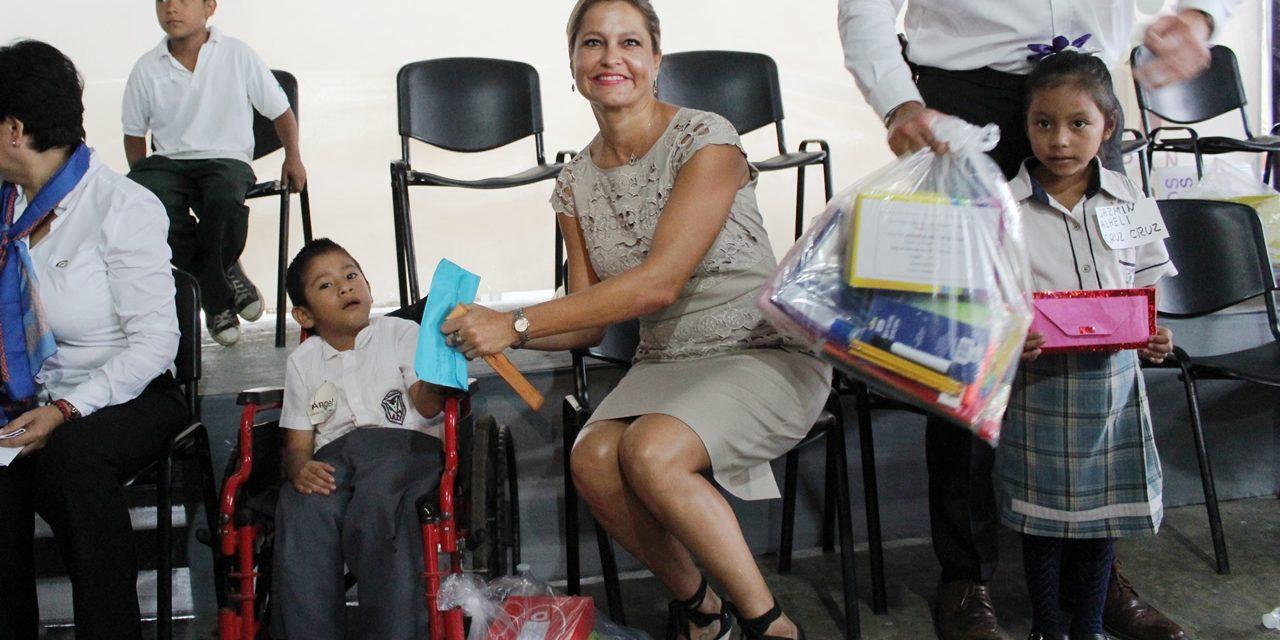 """DIF Tuxpan rebasa meta  de beneficiarios con el programa """"Apadríname 2016"""""""