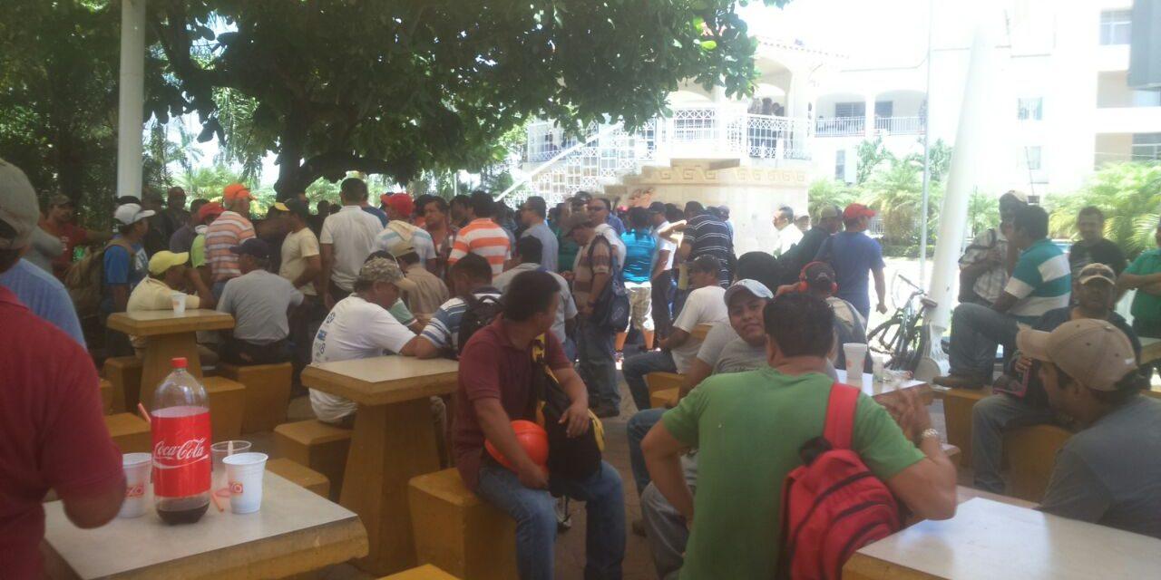 Falta de fuentes de empleo obliga a tuxpeños a emigrar