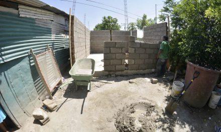 Ayuntamiento de Tuxpan,  Avanza en la Construcción de Cuartos Dormitorio