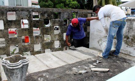 Ayuntamiento de Tuxpan Refuerzan Atención de los Panteones Municipales