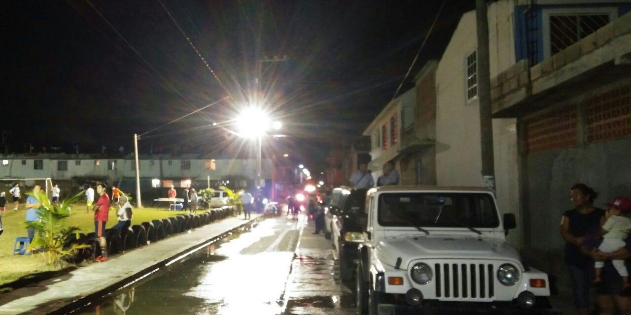 Ayuntamiento de Tuxpan y SUTERM 55, Iluminaron Reyes Heroles