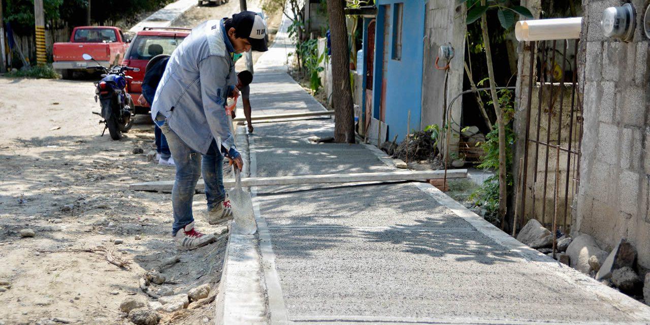 Guarniciones y Banquetas Para Mejorar La Movilidad Peatonal: RRD