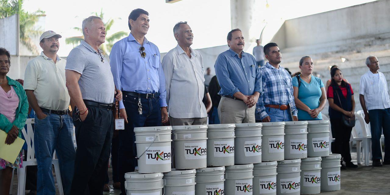 Entrega Ayuntamiento de Tuxpan, Apoyos Sociales