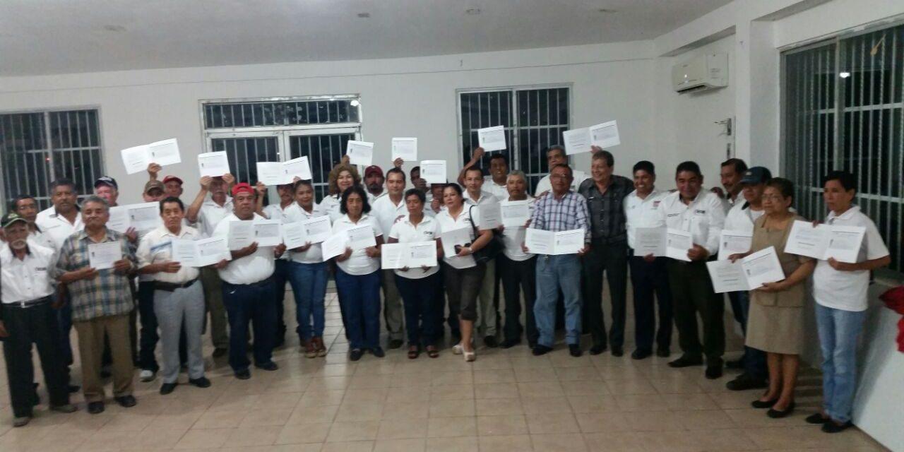 IVEA entrega certificados de Primaria y Secundaria a Trabajadores Municipales