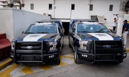Entregan Unidades a la SSP de Tuxpan
