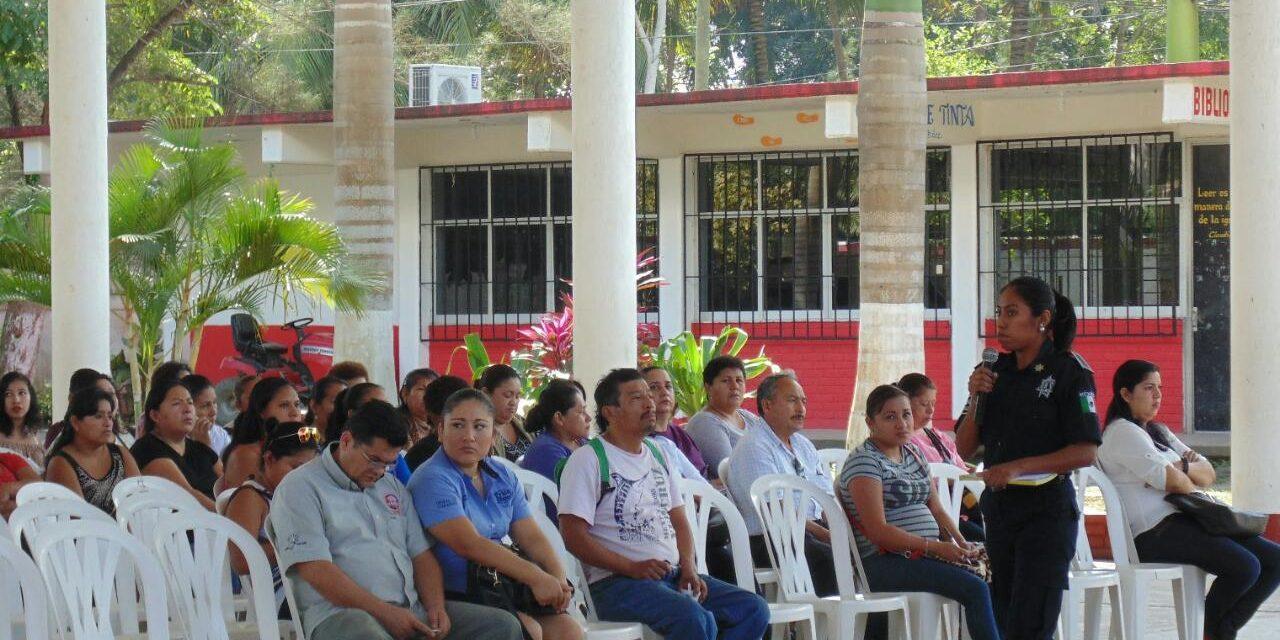 Llevan talleres de prevención del delito a escuelas del municipio