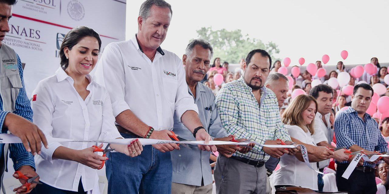 Los Programas Sociales Están Garantizados en Tuxpan