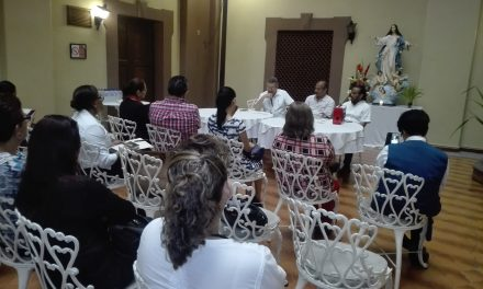 Obispo de Tuxpan  y Autoridades sostienen reunion