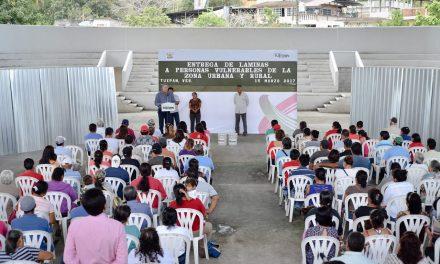 RECIBEN 64 FAMILIAS DE ZONA URBANA Y RURAL,  APOYOS DEL AYUNTAMIENTO DE TUXPAN