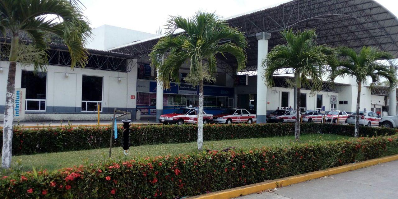 Saturada Central Camionera por temporada vacacional