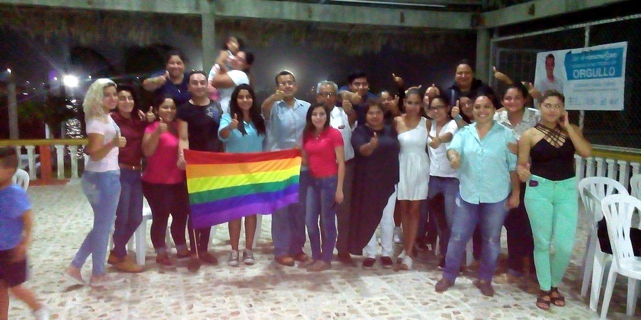 ESTEBAN SALAS JUÁREZ, RECIBE PETICIONES DE LA COMUNIDAD LGBT