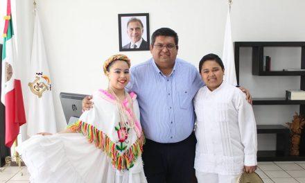 A favor de la cultura y folclore