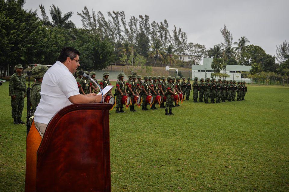 Estrecha unidad con las fuerzas armadas