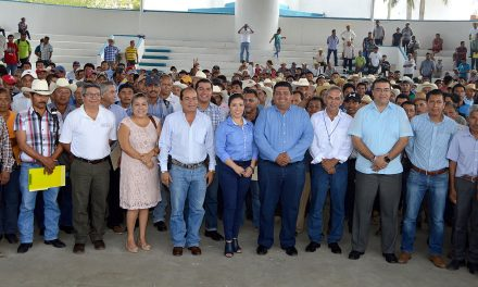 Refrenda Toño Aguilar su compromiso con la gente del campo