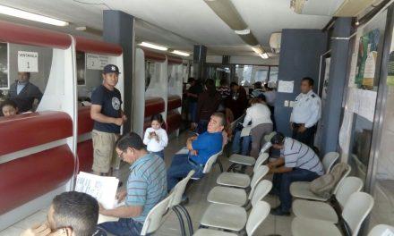Exhortan a transportistas a aprovechar programa de condonación de derechos de control vehicular