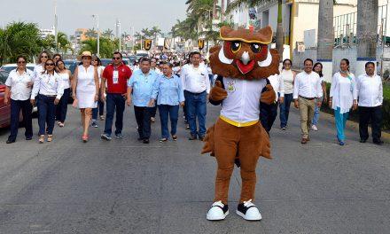 Alcalde da bienvenida a normalistas