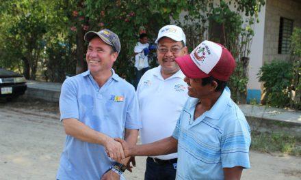 Realizan Arturo Esquitín y Raúl Monroy recorrido en Álamo