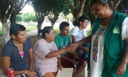 Realizará  Maryanela Monroy  gestiones para que comunidades cuenten con servicios básicos