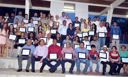 Dignos reconocimientos a empresarios Tuxpeños
