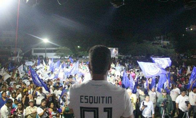 Cierra Arturo Esquitín exitosa campaña en Tuxpan