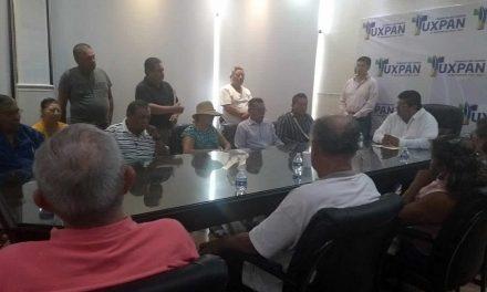 Ayer Toño Aguilar explicó el paro de obras.