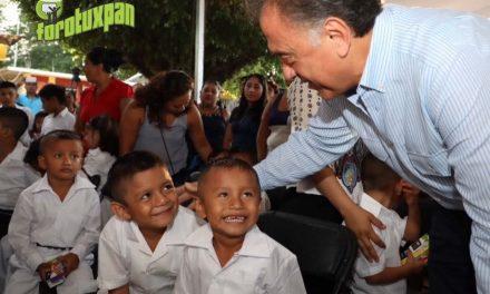 2 millones 350 mil estudiantes regresan a clases en todo el estado: Gobernador Yunes