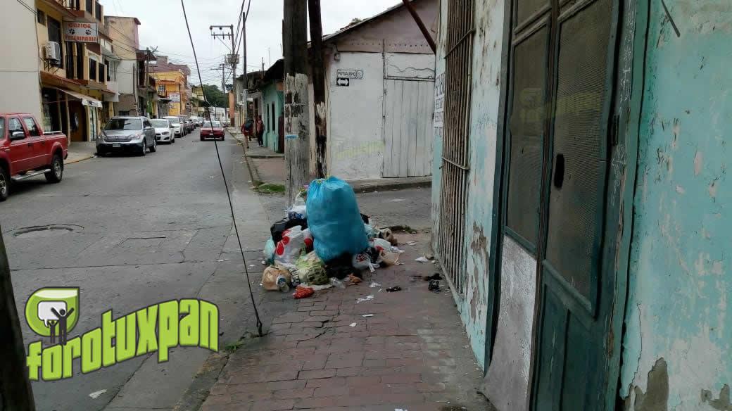 Basura y Escombros en las Calles son Mala Imagen Para la Ciudad