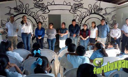 Anabel Ponce Delegada de SEDESOL Visita Comedores Comunitarios