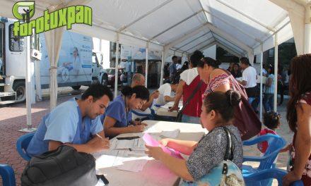 Inicia la Feria de la Salud en Plaza Cívica de Tuxpan