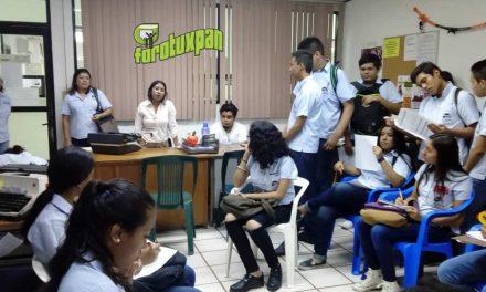 Servicio Municipal de Empleo imparte pláticas a jóvenes de nivel medio superior