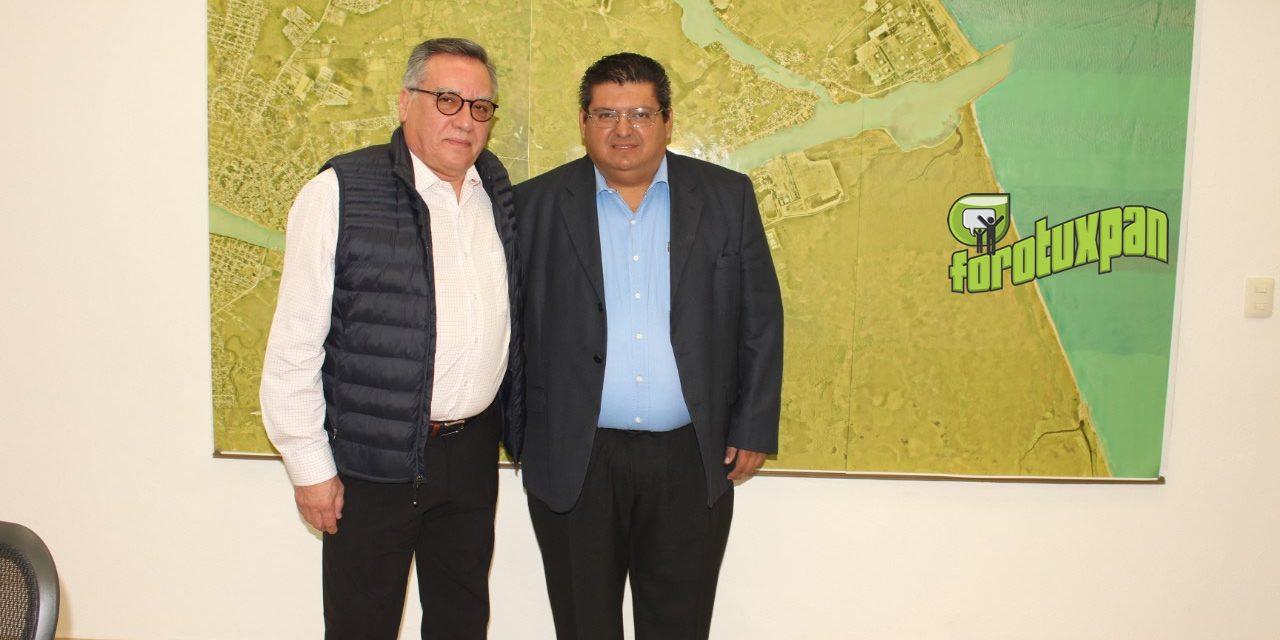 Toño Aguilar desea suerte a saliente director de APITUX
